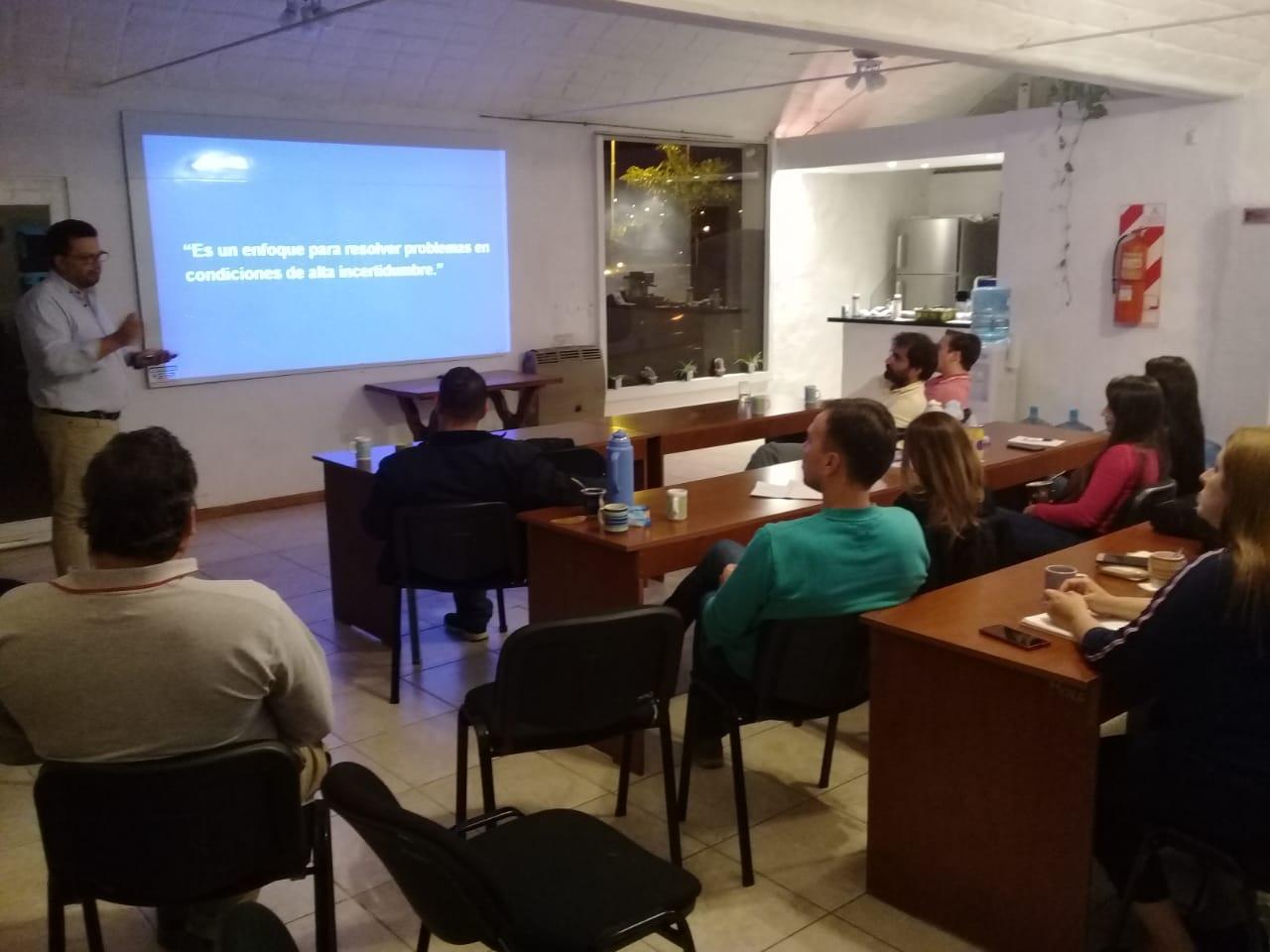Se desarrolló una charla sobre Design Thinking en COPROCIER